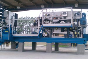 Skid mounted belt filter presses